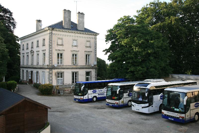 Chateau Coaches