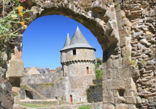 visite du chateau de fourgeres et sa forteresse medievale
